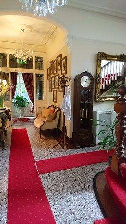 Innisfree House: Welcome Hall