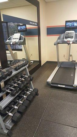 Hampton Inn & Suites Thousand Oaks: Fitness center