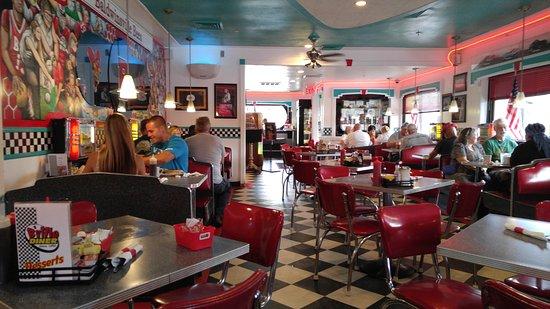 Baldwinsville, estado de Nueva York: Dining area.