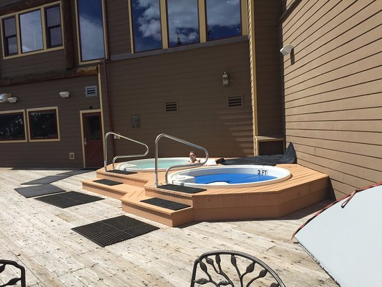 The Lodge at Breckenridge: outdoor hot tub
