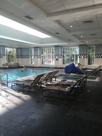 Hyatt Regency Long Island: Indoor pool area