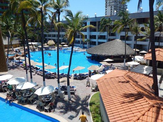 El Cid Castilla Beach Hotel: Vista de albercas.
