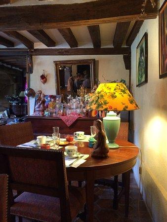 Ablon, Frankrike: Tables du petit-déjeuner