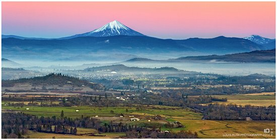 Fabulous Overview From Top Of Table Rock Oregon Picture Of Upper Home Interior And Landscaping Dextoversignezvosmurscom