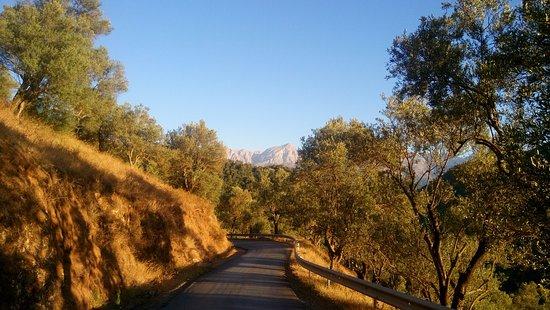 Tizi Ouzou, Αλγερία: route amenant au barrage