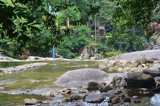 Telaga Tujuh Waterfalls: منظر جميل