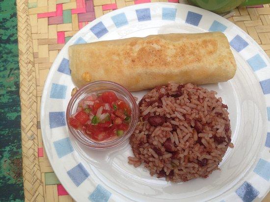 Hotelito El Coco Azul: The main course of breakfast is actually quite nice!