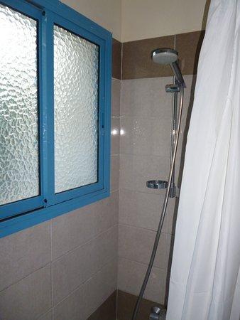 Kefalonitis Hotel Apts.: Bathroom