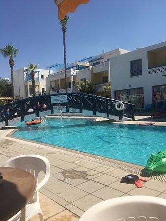Kefalonitis Hotel Apts.: Pool area