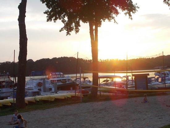 Mirow, Alemania: Abendessen bei Sonnenuntergang