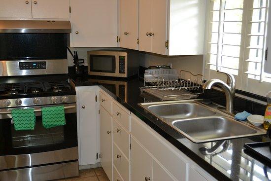 Sunset Inn: Kitchen Suite