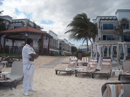 Real Playa del Carmen: Club de Playa del otro hotel de la cadena