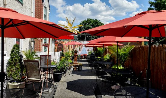 Oley, PA: Outside Dining 2016