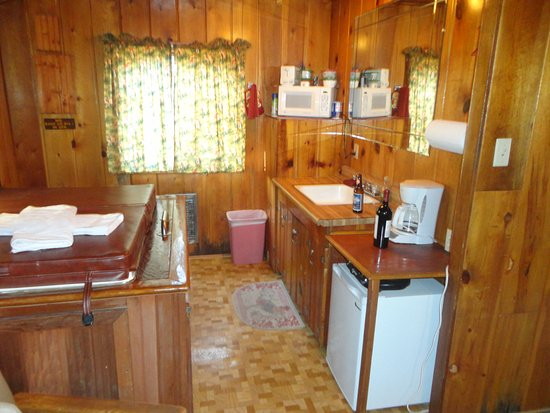 Hidden Rest Cabins: Kitchen