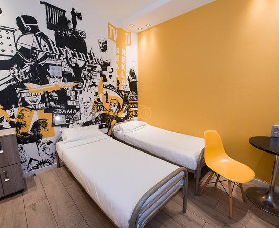 Photo of Hotel 3 Ducks Hostel at 6 Place Etienne Pernet, Paris 75015, France