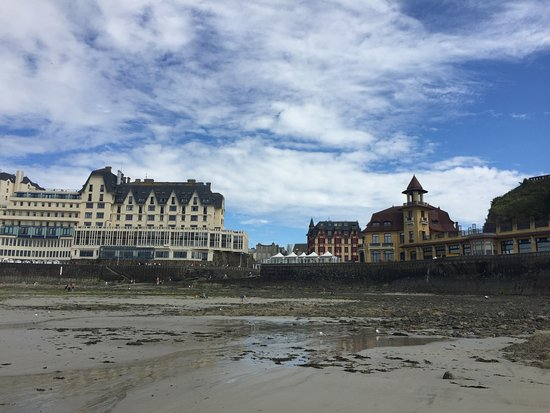 from the beach at low tide photo de hotel des bains granville tripadvisor. Black Bedroom Furniture Sets. Home Design Ideas