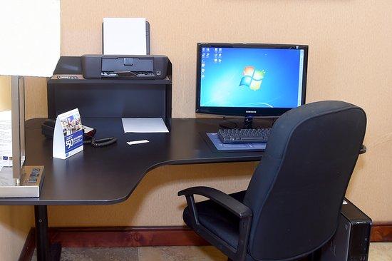 Best Western Orlando East Inn & Suites : Business Center
