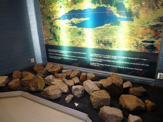 Lappajarvi, Finlandia: Kivinäyttely Kivitipun alakerrassa