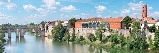 Vue de pujols photo de office de tourisme grand villeneuvois villeneuve sur lot tripadvisor - Office du tourisme villeneuve sur lot ...