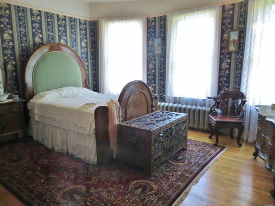 Vernon, Kanada: one of the Bedrooms in the Mansion