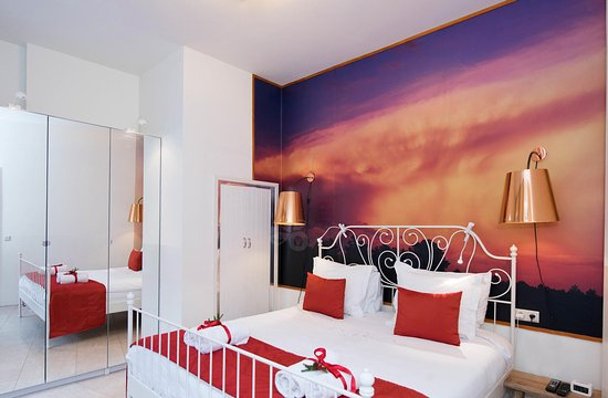 Heemskerk Suites- Adults only: fire bed