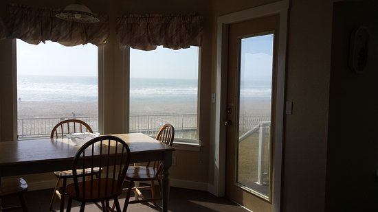 Nantucket Inn: Dining nook overlooking the beach. That door doesn't open though.