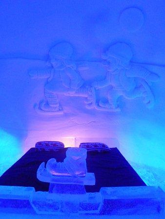 La chambre des lutins bild fr n kirkenes snow hotel for Kirkenes snow hotel gamme cabins