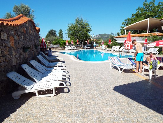 Ova Resort Hotel: quiet pool, adults only