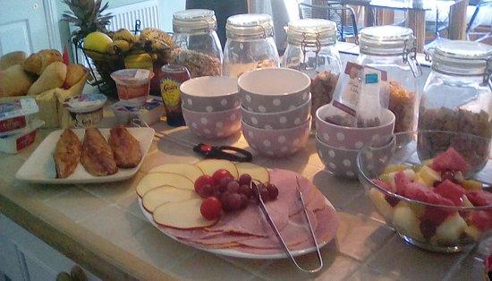 Borthwick View: Continental style breakfast