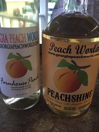 ‪‪Townsend‬, جورجيا: Peach Wine and PeachShine‬