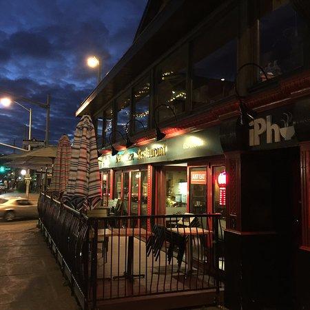 Ottawa, Kanada: outside iPho Vietnamese Restaurant