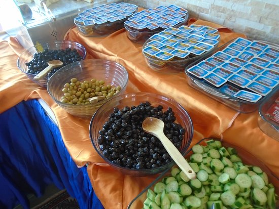 Hali Hotel: Breakfast