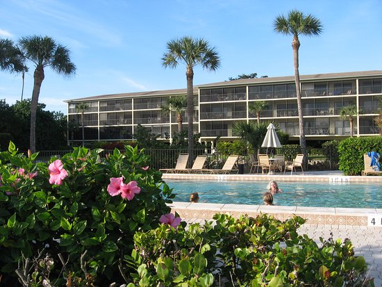 Sand Pointe Condominiums: Sand Pointe Pool Area
