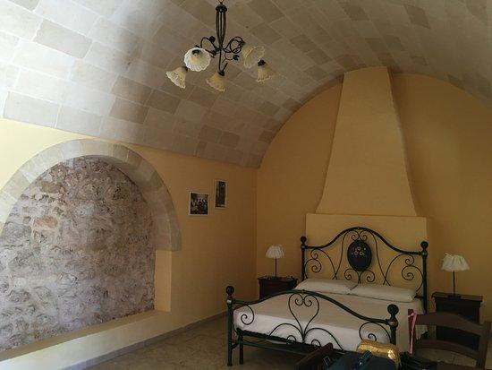 camera con letto in ferro battuto numero 2 - Foto di Agriturismo ...
