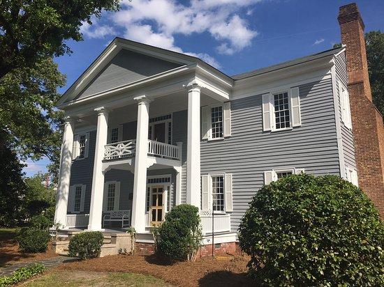 The Elizabethtown Inn