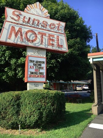 Sunset Motel Photo