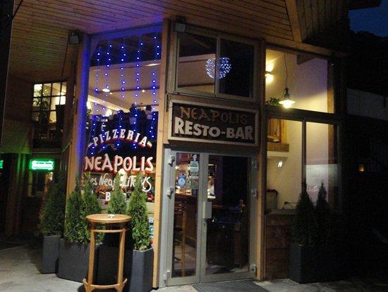 Neapolis : Restaurant exterior