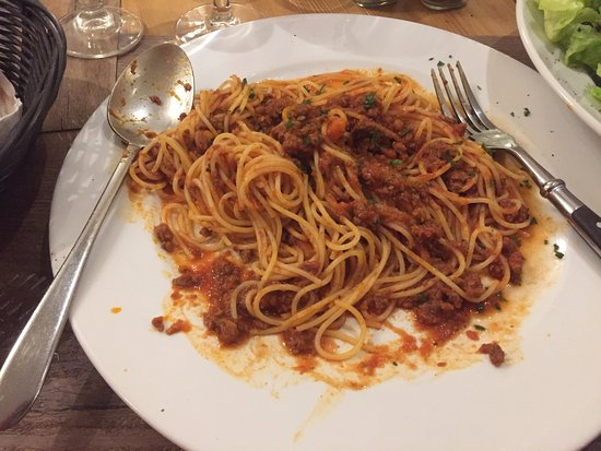 Neapolis : Pasta bolognese with good red wine. Yum