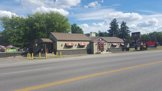 Crossings Pub & Eatery
