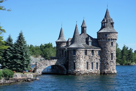 This is the play house of boldt castle i love this small for Small castle house