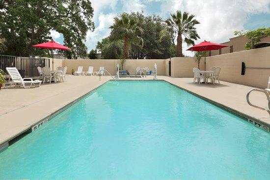 Hawthorn Suites by Wyndham Rancho Cordova/folsom: Hotel pool and spa