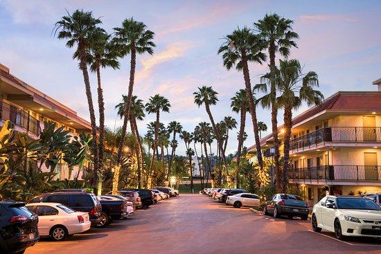 Days Inn San Go Hotel Circle Near Seaworld Exterior