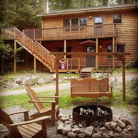 Timber Trail Lodge and Outfitter: The gorgeous Evergreen Cabin! No complaints!