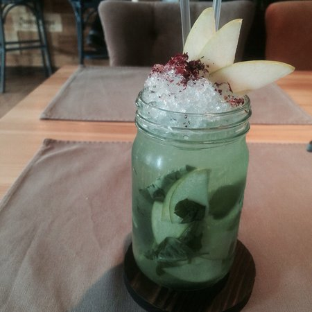 Gastrobar The Five Points: лимонад)