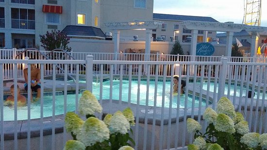 outdoor hot tub can watch the top thrill dragster from it rh tripadvisor com