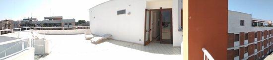 Palese, İtalya: Терасса 4 этажа
