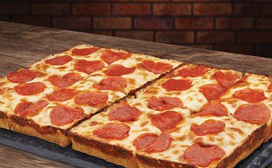 Wyoming, MI: Signature 8-Corner Pizza