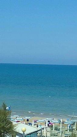Hotel Nettuno Senigallia: Camera vista mare
