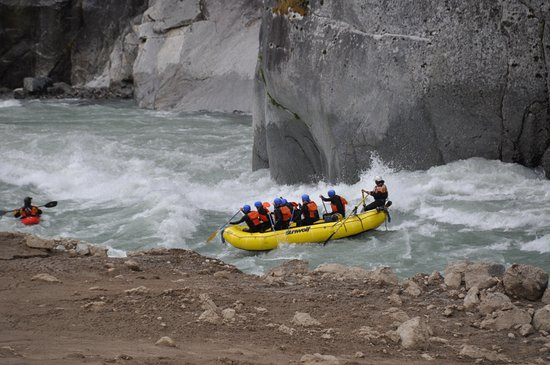 Sunwolf Rafting: Lively rapids + amazing guides = delightful day with SunWolf!