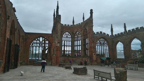 Coventry, UK: Phenomenol architecture......despite the blitz. Amazing piece of British history!